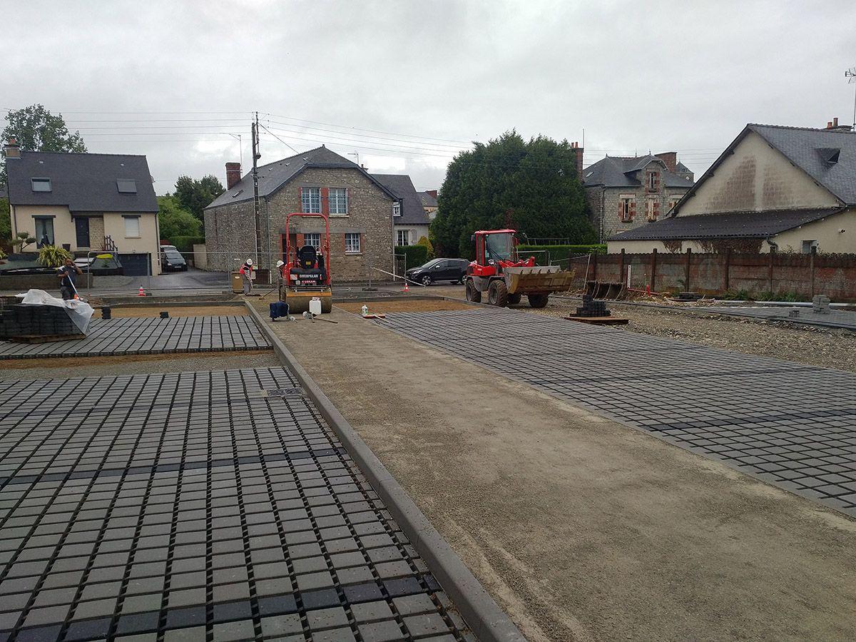 Atelier INEX, Chantier parking perméable parc Saint-Aubin du Cormier