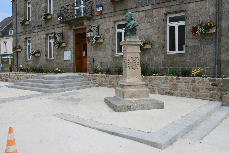 Mairie bourg de Plouaret
